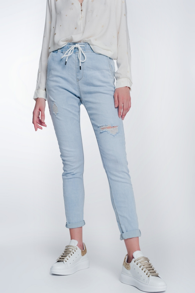 Jeans estylo jogger lavado claro con cordon