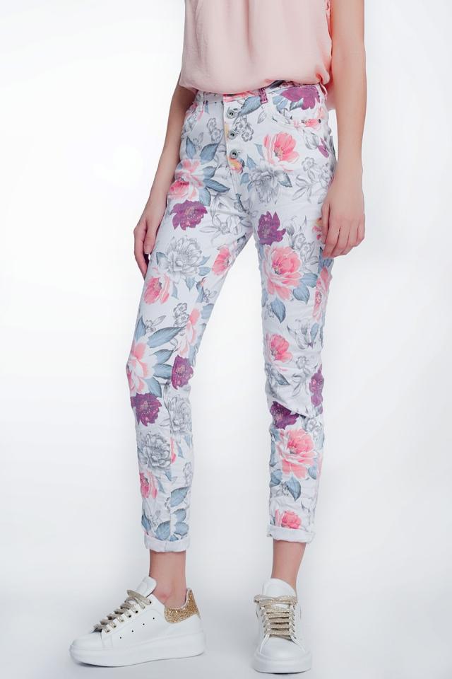 jeans boyfriend blanco con estampado floral