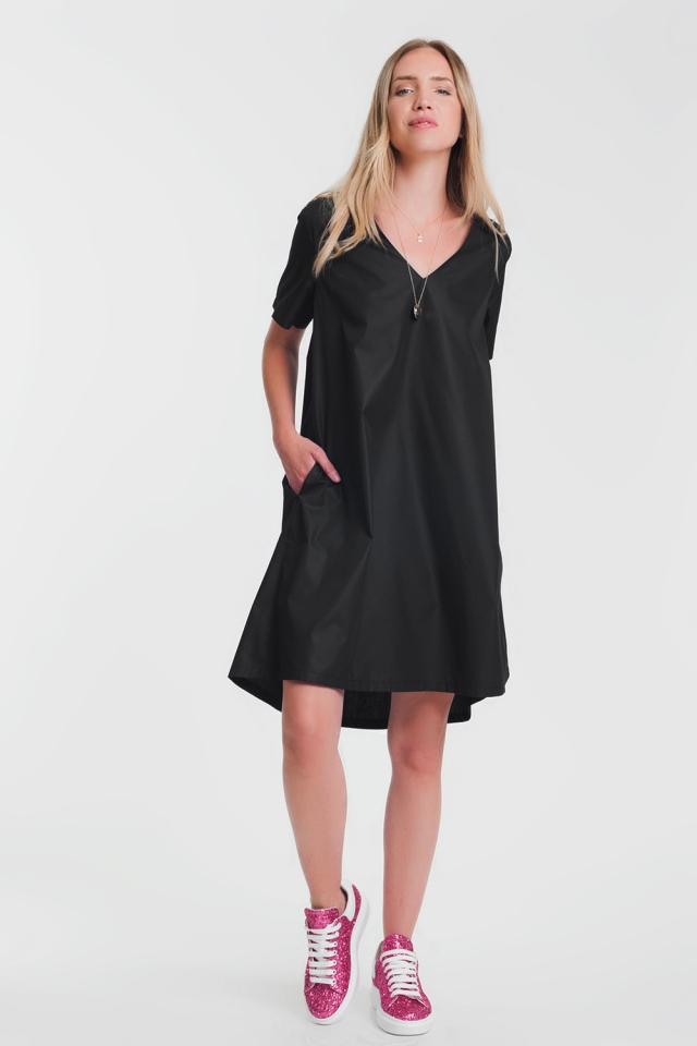 Vestido estilo túnica con detalle de bolsillo en color negro