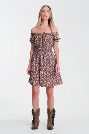 Vestido veraniego corto con escote Bardot y estampado floral marron