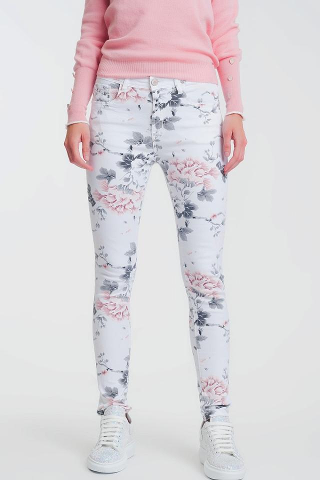 Pantalon blanco super ajustado con estampado floral
