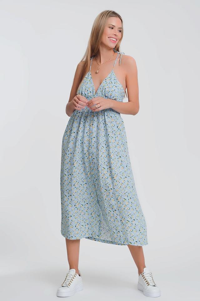 Vestido largo con espalda abierta en azul floral