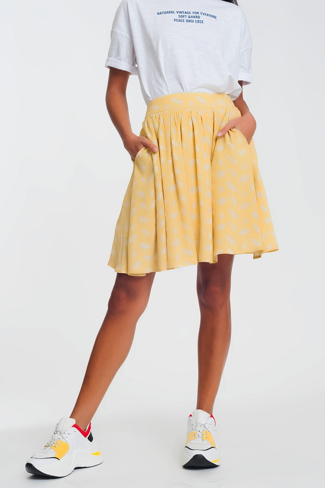 Minifalda con vuelo y diseño floral vintage en color amarillo