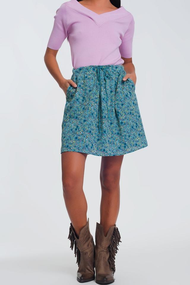 Minifalda con estampado de florecitas en verde