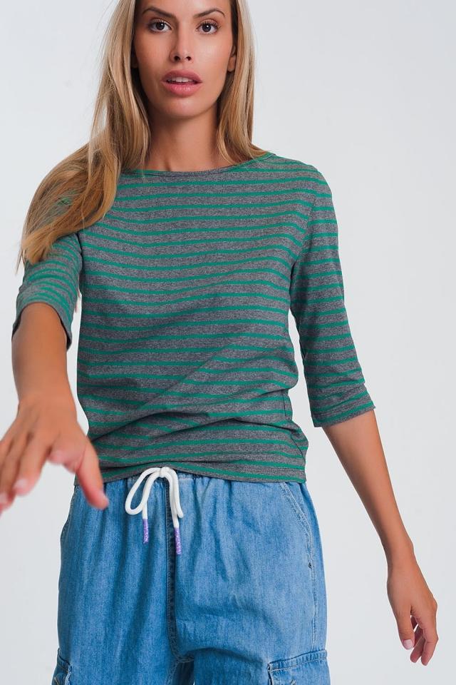 Camisa a rayas con manga 3/4  y cuello de barco en verde