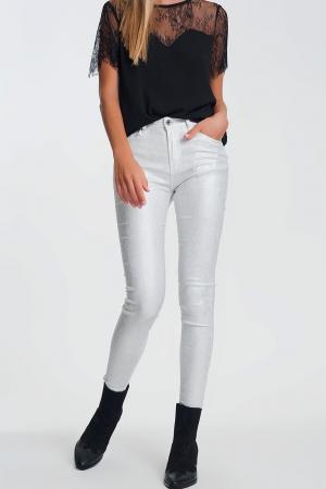 Pantalon muy ajustados de tiro alto con brillo plateado en blanco