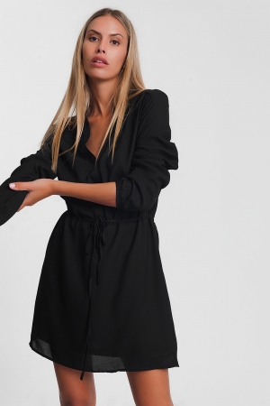 Minivestido camisero negro con lazada en la cintura