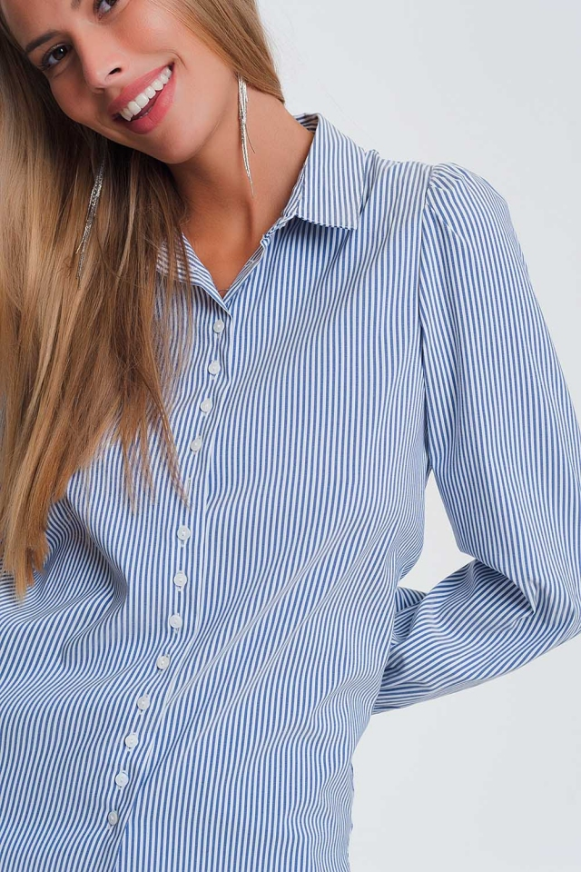 Collared shirt with stripes in blue