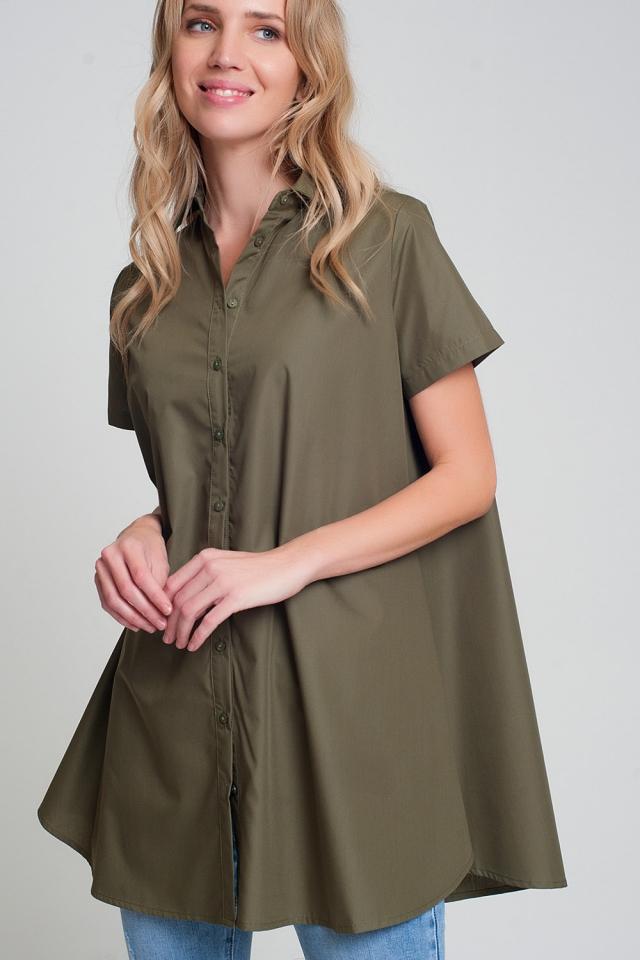 Camisa de popelina extragrande de manga corta en caqui