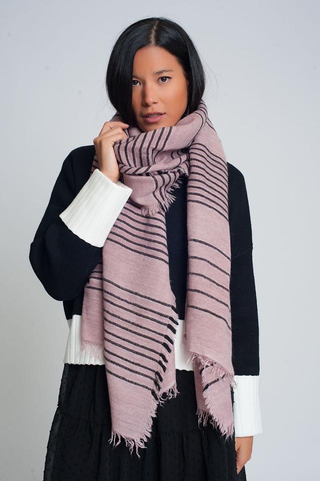 Bufanda rosa con rayas negras
