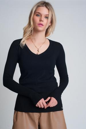 Jersey basico suave con cuello pico en color negro
