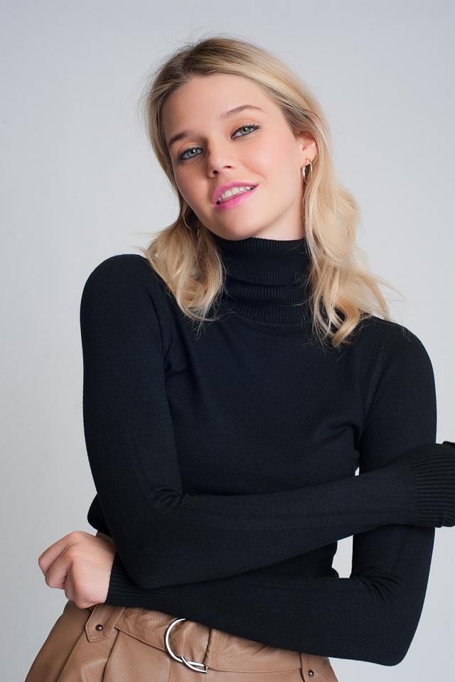 Jersey de cuello alto básico en negro
