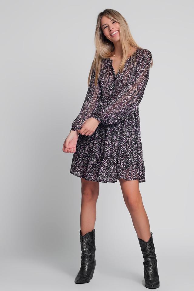 Vestido corto amplio de gasa con estampado de cachemir en color negro