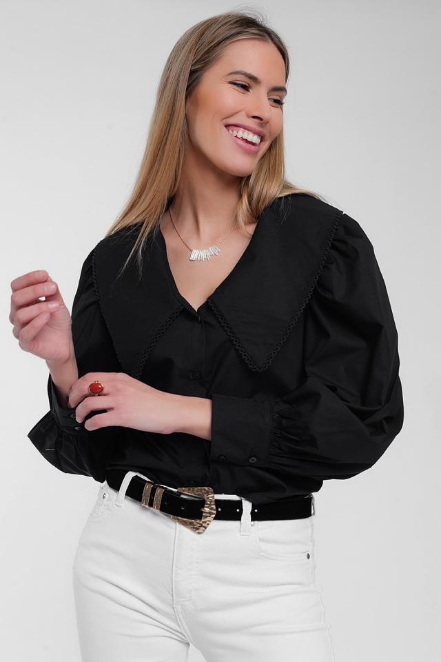 Camisa en negro con cuello extragrande