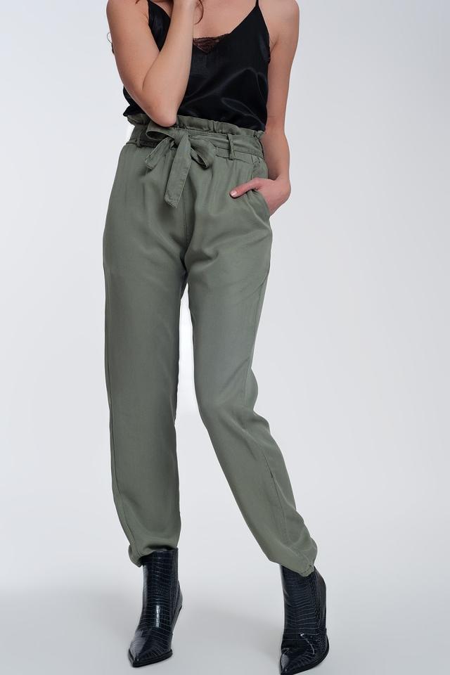 Pantalones con lazada en la cintura en verde