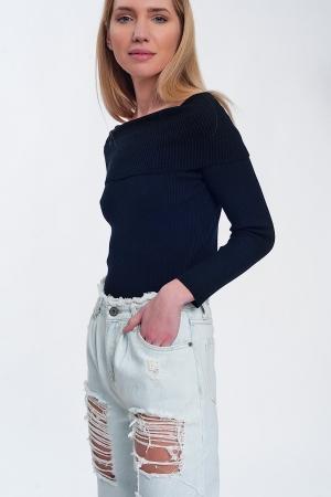 Jersey con escote Bardot en color negro