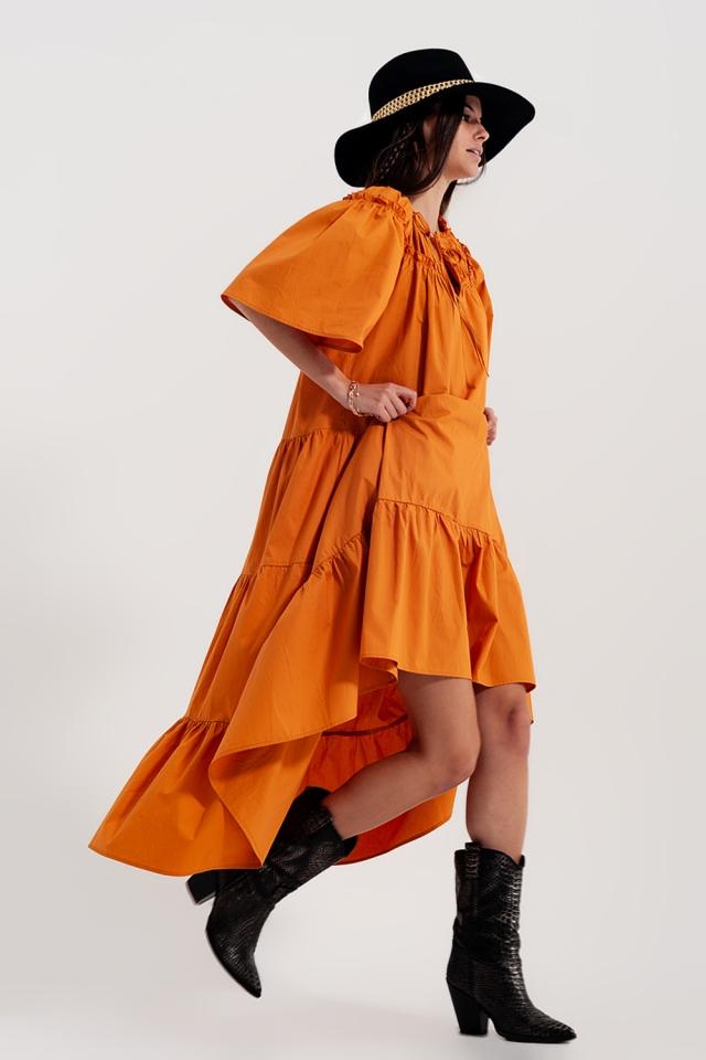 Vestido midi amplio de popelina de algodón con diseño escalonado en naranja