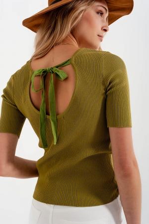 Jersey verde de punto con detalle anudado en la parte posterior