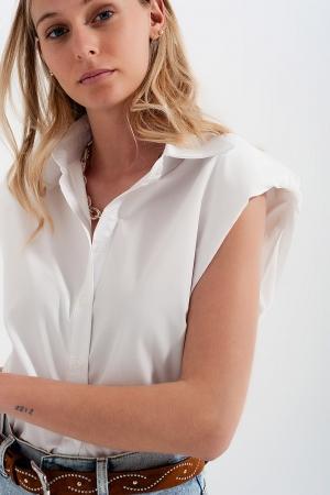 Camisa abotonada sin mangas con hombreras en blanco