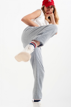 Joggers con cintura elástica en gris