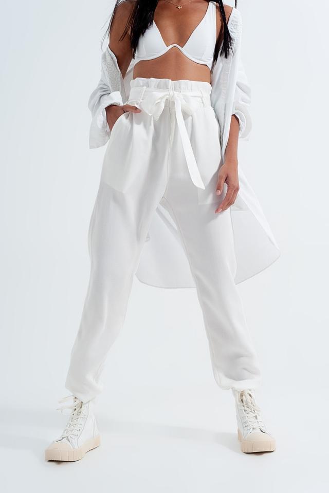 Pantalones finos con lazada en la cintura en blanco