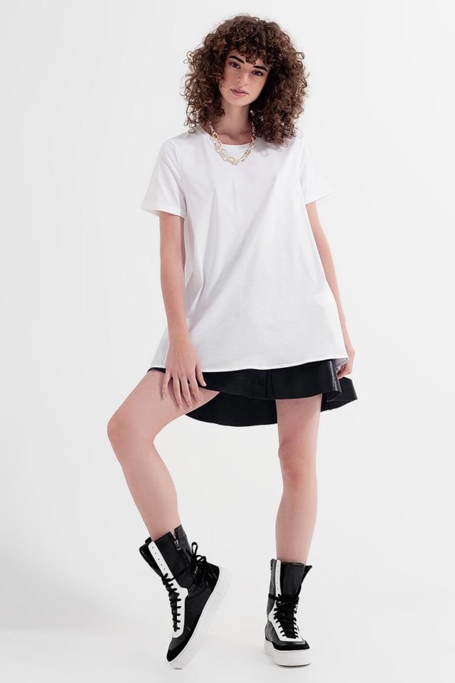 Vestido tipo camiseta en blanco