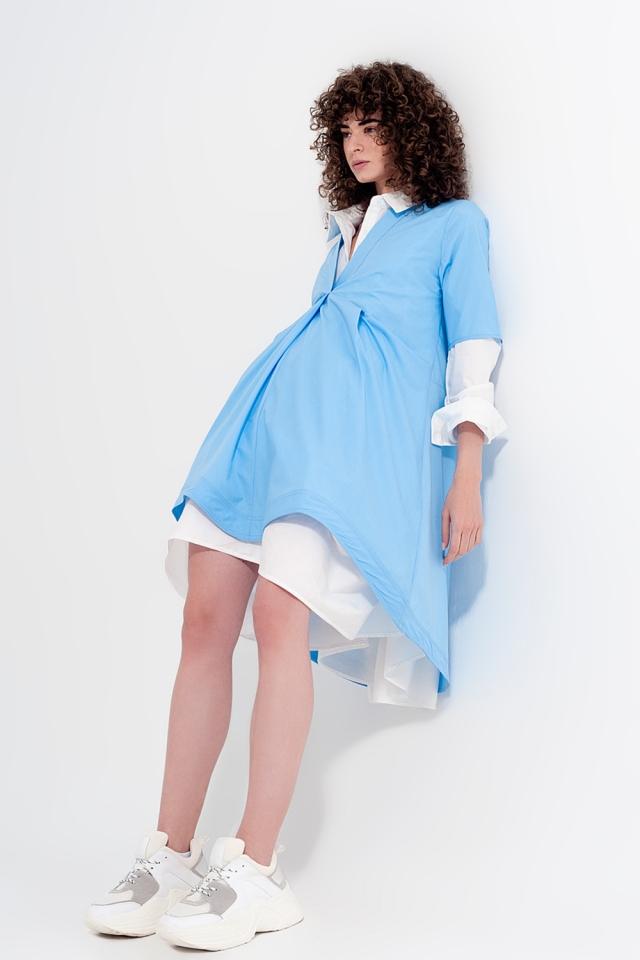 Vestido amplio corto en color azul claro a capas