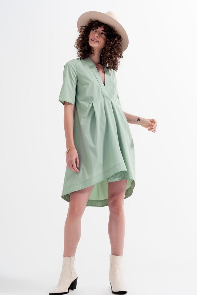 Vestido amplio corto en color verde a capas