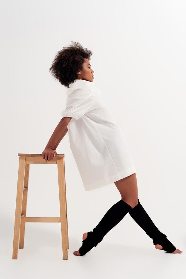 Vestido camisero corto blanco con manga de farol