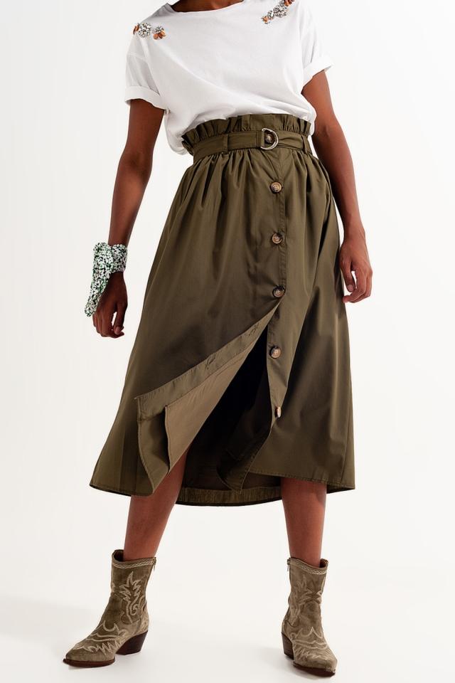 Falda caqui con diseño abotonado y cinturón