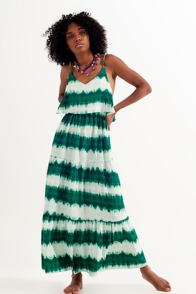 Vestido playero verde salvia con estampado tie dye
