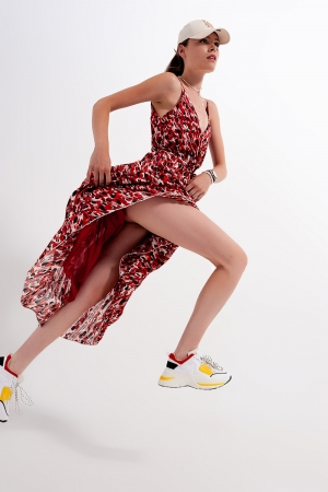 Vestido de gasa largo con estampado rojo
