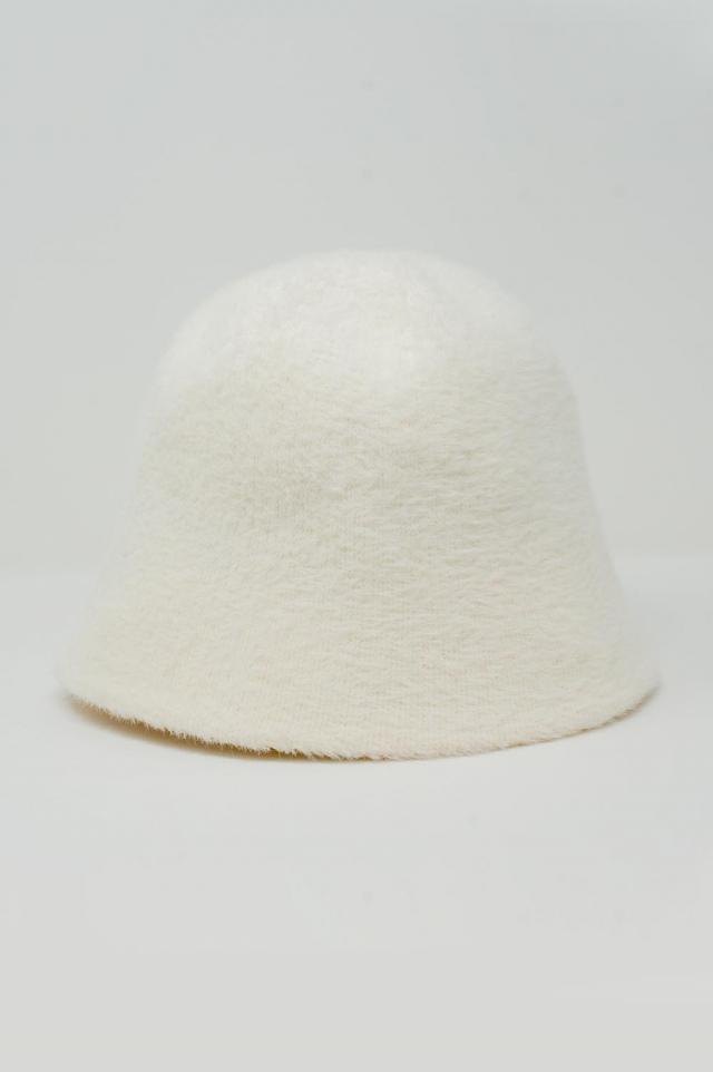 Sombrero de pescador de punto en crema