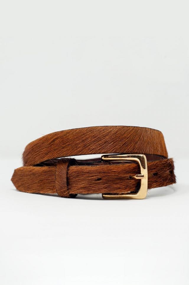 Cinturon fino marron de pelo